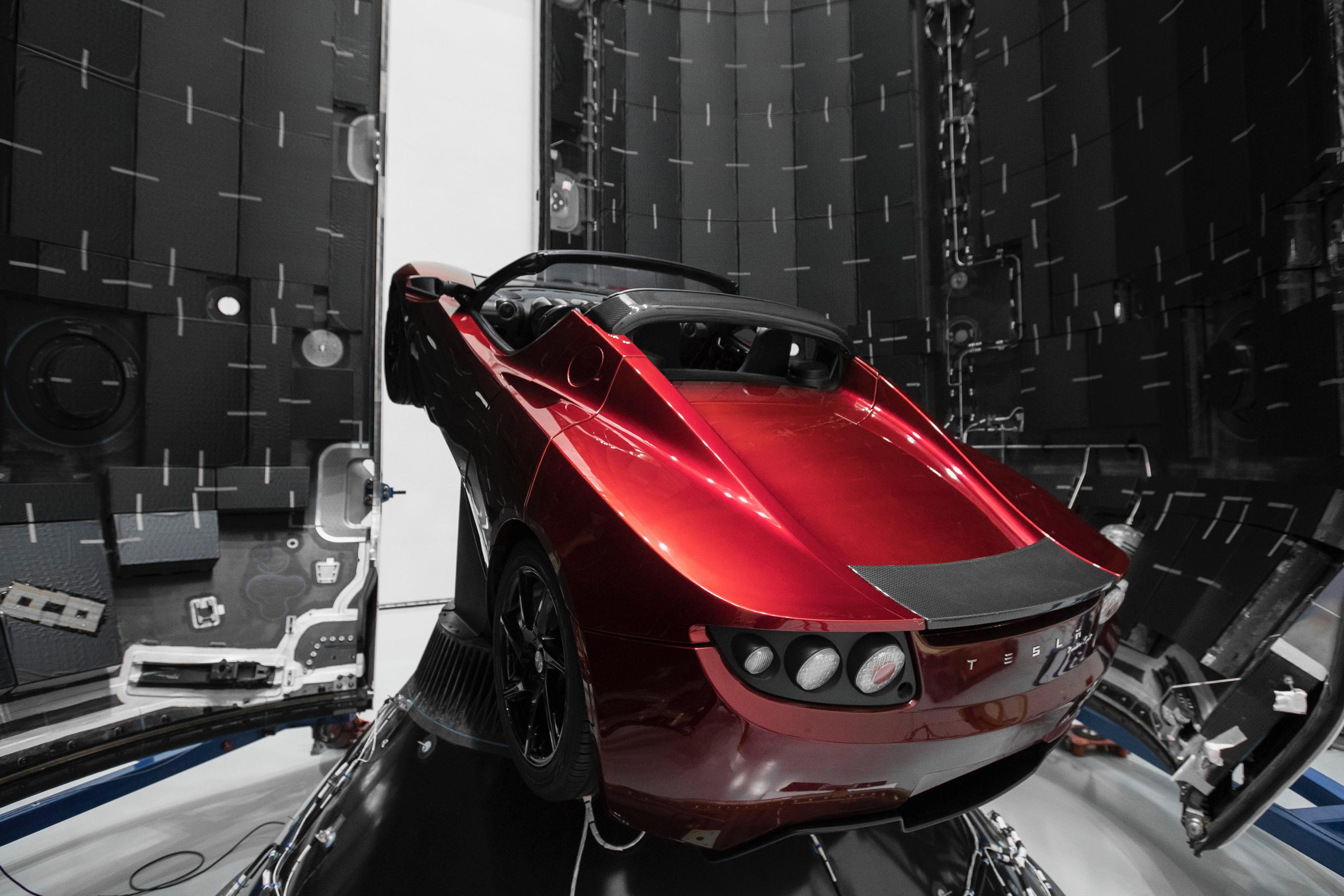 Elon Musk manda o seu Tesla Roadster para Marte