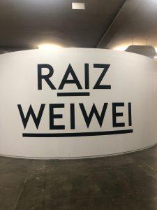 Raiz Weiwei uma Exposição para Refletir sobre Democracia, Política e Arte.