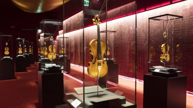 Cidade se Mantém um Mês em Silêncio para Salvar Instrumentos dos Séculos XVII e XVIII