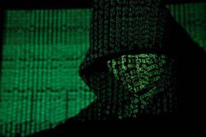 Não é apenas o Facebook! Milhares de Empresas estão Espionando Você!