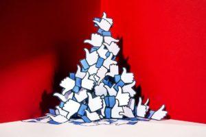 Porque Você Deveria se Importar com o Escândalo da Cambrige Analytica e o do Facebook